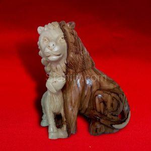 The Lion & the Lamb B63